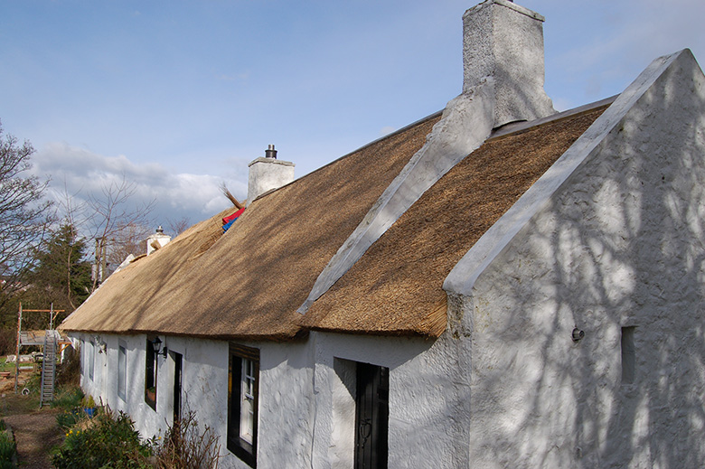 A stiff reed thatch cottage outside Edinburgh